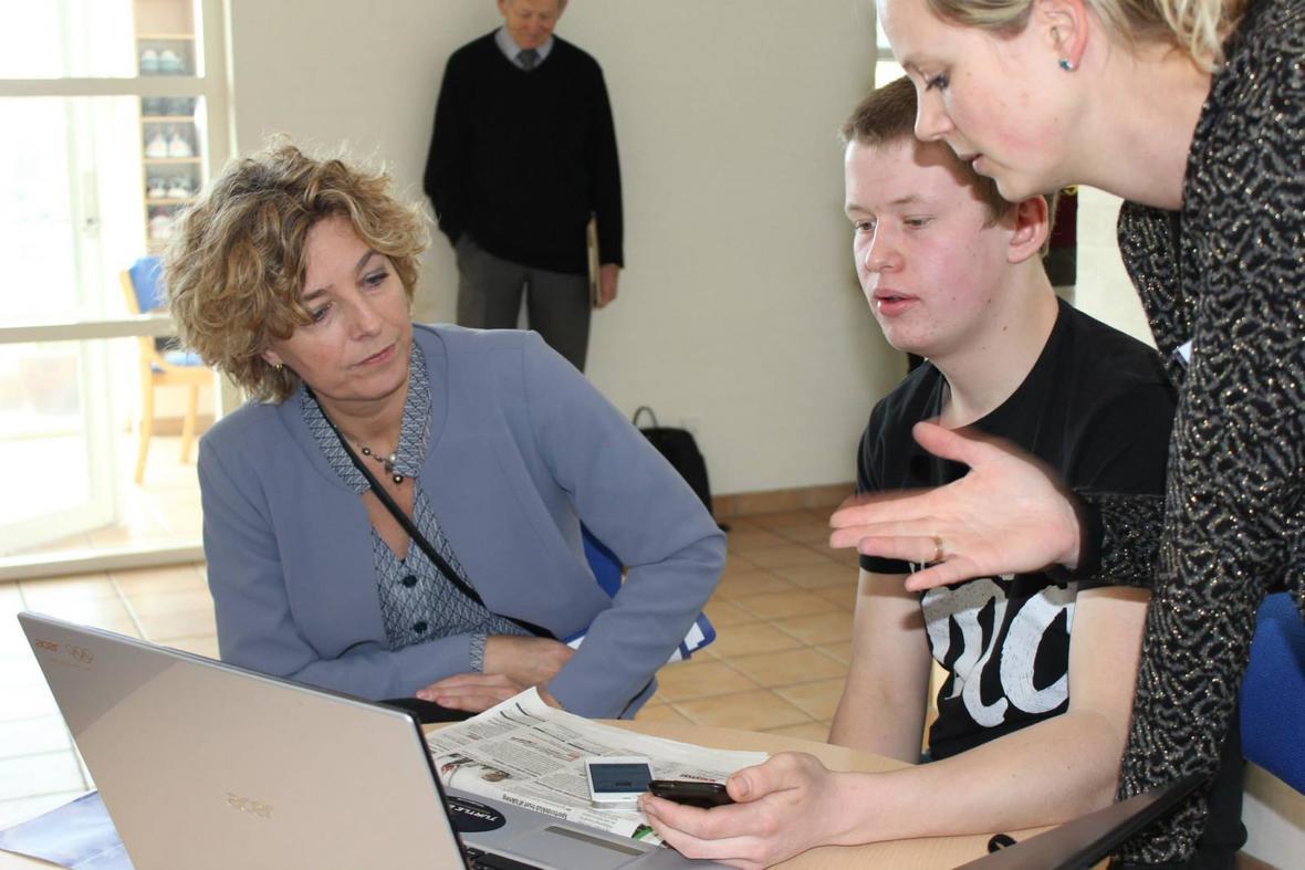Christine Antorini på besøg på en af ordblindeefterskolerne